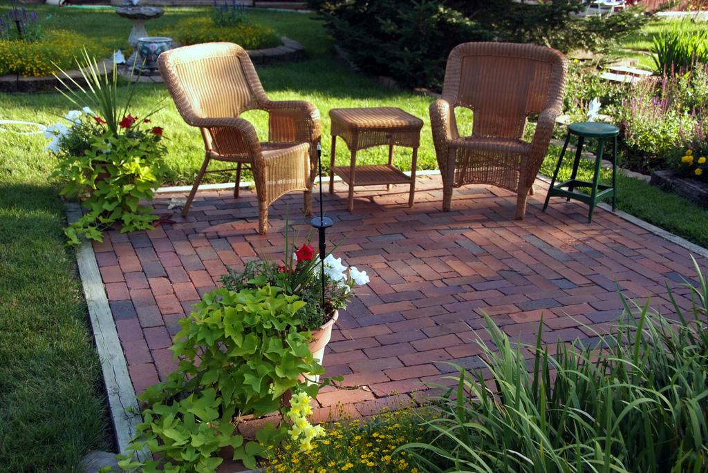 Elder Proofing Your Backyard Safe Landscaping For Seniors